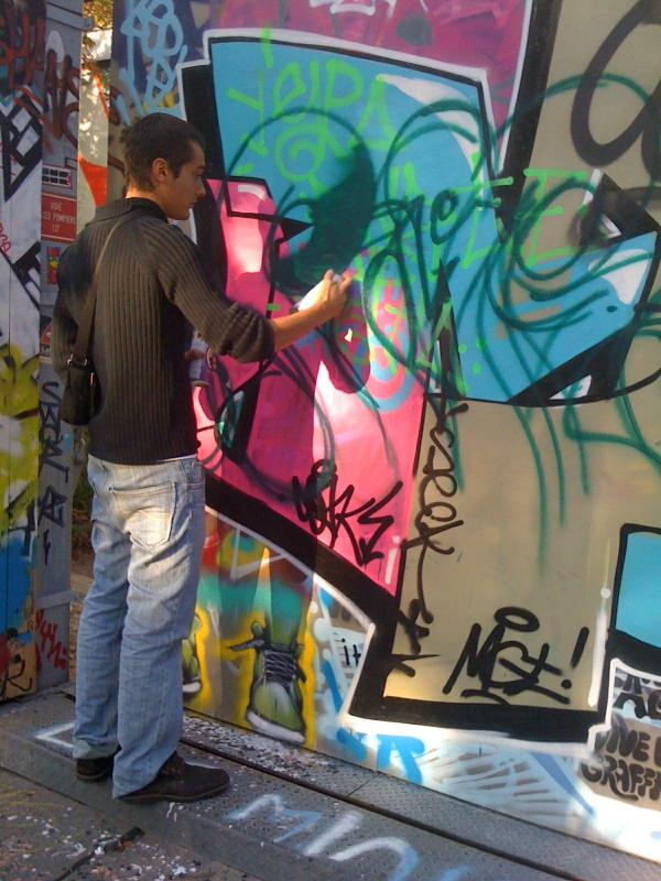 Graffiti Street Painter